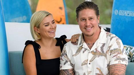 Minka ja Tomi kuvattuna kotipihallaan Sydneyssa.
