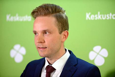 Keskustan varapuheenjohtaja Petri Honkonen ilmoittautui puheenjohtajakisaan maanantaina.