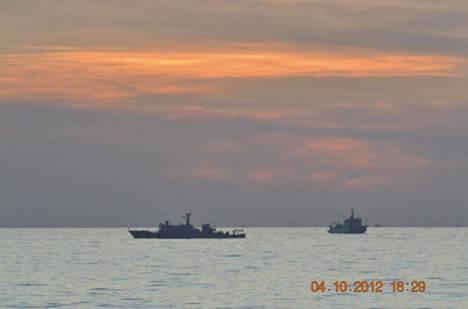 Kiinalaiset merivoimien valvonta-alukset partioivat Scarborough Shoalin edustalla keväällä 2012.