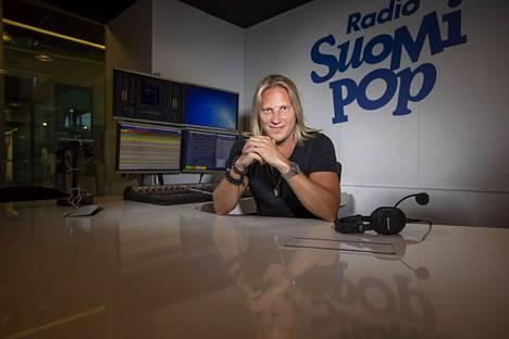 Sami Kuronen juhli 30-vuotista uraansa tekemällä 30 tuntia radiota suorana lähetyksenä.