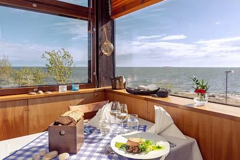 Näkymää ravintola Saaren Belvedere-parvelta.