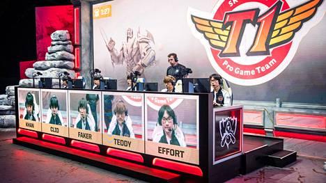 Etelä-Korea on LoL-historian menestynein maa kuudella maailmanmestaruudella. T1 on voittanut niistä kolme (2013, 2015, 2016).