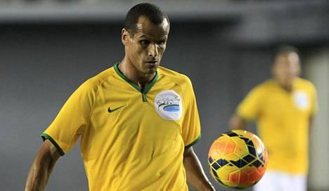 Jalkapallolegenda Rivaldo neuvoi jättämään olympialaiset väliin.