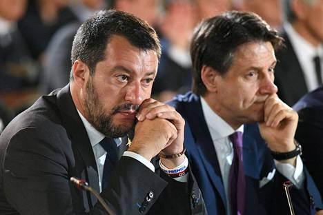 Italian sisäministeri Matteo Salvini ja pääministeri Giuseppe Conte.