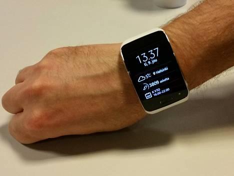 Kellon näkymäksi on tarjolla moninaisia vaihtoehtoja. Viisarien lisäksi kellosta voi ihmetellä informatiivisempaa näyttöä.