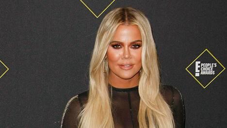 Khloé Kardashian kehottaa tuoreita äitejä olemaan armollisia itselleen.