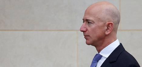 Amazonin omistaja Jeff Bezos syyttää yhdysvaltalaista National Enquirer -yhtiötä kiristysyrityksestä. Saudi-Arabia on kiistänyt osallisuutensa sekavaan kiistaan.
