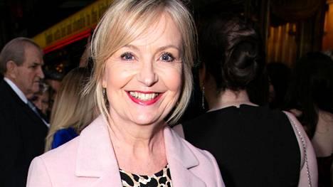 BBC:n säänainen Carol Kirkwood havainnollisti Twitterissä, miksi meteorologit eivät pukeudu vihreisiin vaatteisiin.