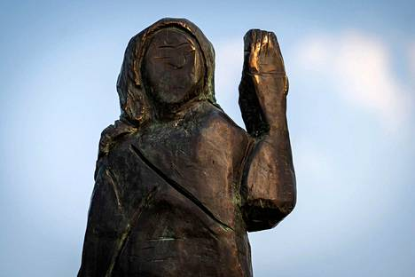 A New Melania Trump Statue Was Erected In Slovenia To Replace The Arsonist Teller Report
