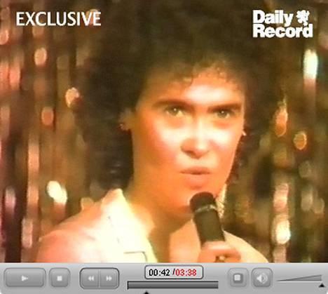 Susan Boyle oli 22-vuotiaana tumma kaunotar.