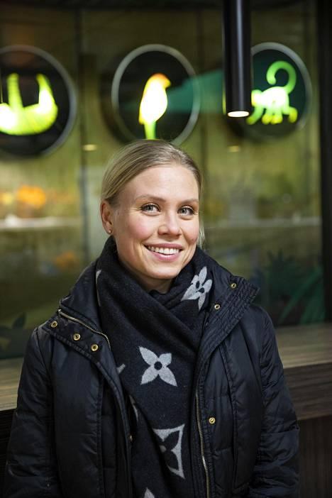 Noora Fagerström, 33, säästi pitkään rahaa, koska halusi yrittäjäksi.