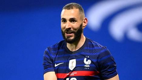 Karim Benzema on palannut Ranskan paitaan. Kuva harjoitusottelusta Walesia vastaan 2. kesäkuuta, kun Ranska voitti 3–0.