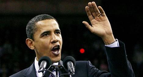 Barack Obama voitti Hillary Clintonin selvin luvuin Virginiassa, Marylandissa ja Washington DC:ssä järjestetyissä esivaaleissa.
