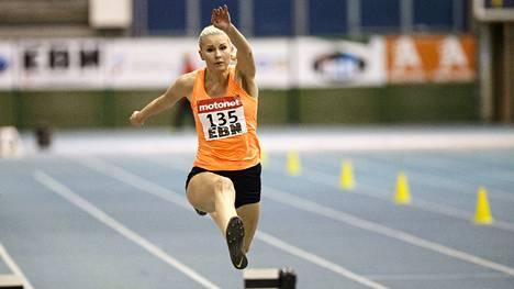 Kristiina Mäkelä tähtää kolmiloikan finaaliin Pekingin MM-kisoissa.