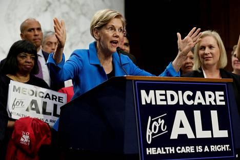Terveydenhuollon järjestäminen on iso teema Yhdysvalloissa. Senaattori Elizabeth Warren kampanjoi Medicaren puolesta syksyn 2017 kongressivaalien alla.
