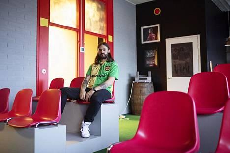 Jere Virtanen kuvattuna Helsinki Red Room -museossa viime marraskuussa.