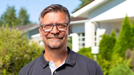 Jukka Jalonen sanoo tiedon aatelissukujuurista tulleen hänelle yllätyksenä.