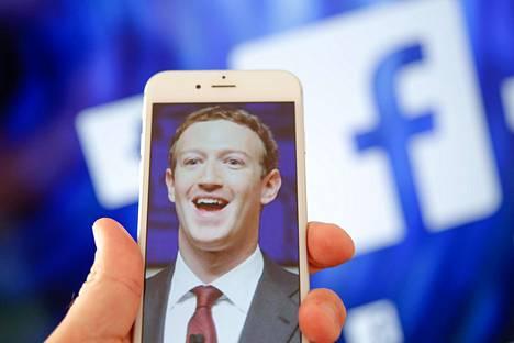 """Facebook omistaa """"tietyissä tapauksissa"""" tavaramerkin sanaan face."""