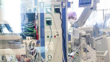 Suomalainen huippulääkäri Mikko Seppänen oli mukana tutkimusryhmässä, joka selvitti koronaviruksen vakavan tautimuodon syntymekanismeja.