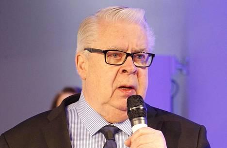 Kalervo Kummola oli Jääkiekkoliiton pitkäaikainen puheenjohtaja ja hallituksen jäsen.