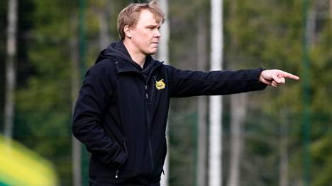 Ilveksen valmentaja Mika Lahtinen sai kolmen ottelun toimitsijakiellon.