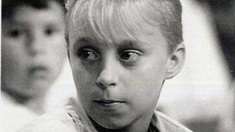 Janne Koivunen muistetaan vuoden 1990 Tenavatähti-laulukilpailun finaalista.