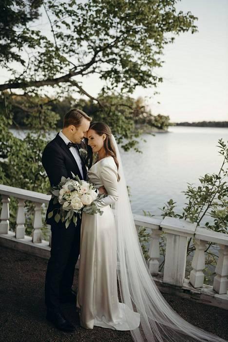 Sanna Marin ja Markus Räikkönen menivät naimisiin Kesärannassa.
