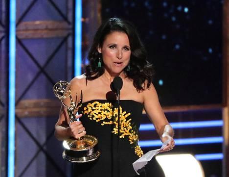 Julia Louis-Dreyfus sai komediakategoriassa parhaan naisnäyttelijän Emmy-palkinnon.
