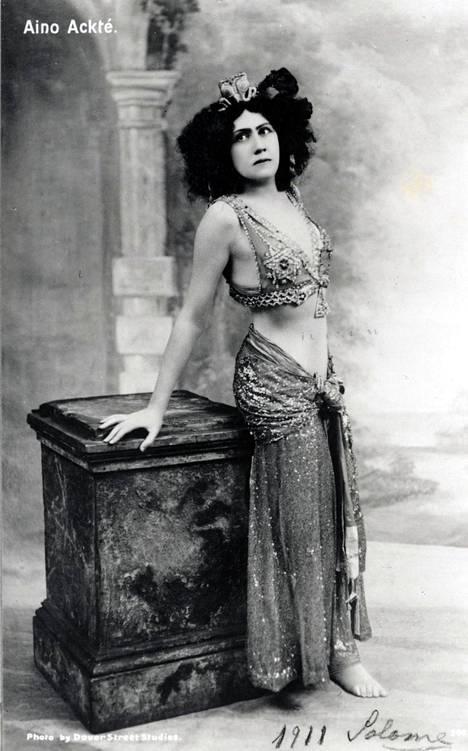 Aino Ackté Pariisin oopperassa 1911.