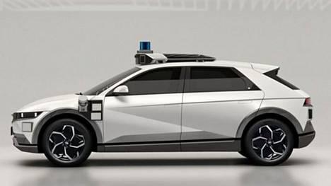 Hyundain Ioniq 5 -robottitaksin erottaa helposti liikenteessä.