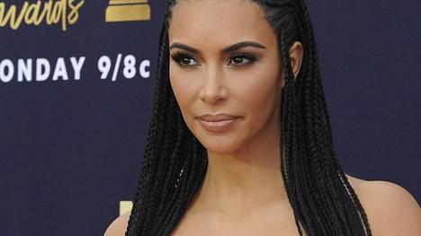 Kim Kardashianin yritykseltä vaaditaan vahingonkorvauksia.