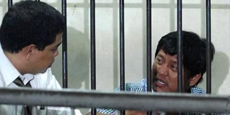 Andel Ampatuan Jr:ää (oik.) vastaan on nostettu 25 murhasyytettä.