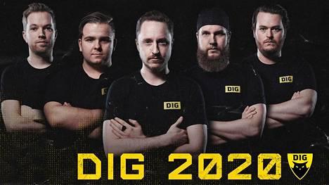 """Team Dignitasin uuden CS-tiimin tähti on norjalaislupaus Håkon """"hallzerk"""" Fjærli (toinen vasemmalta), jonka ympärille on hankittu legendaariset ruotsalaisnimet."""