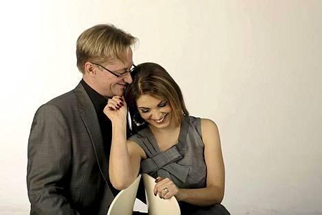 Hymy oli herkässä Ilta-Sanomien kuvauksissa maaliskuussa vuonna 2011.