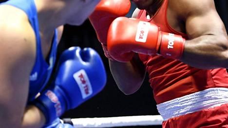 Kansainvälinen nyrkkeilyliitto Aiba jännittää – lajin olympiakelpoisuudesta selkoa toukokuussa