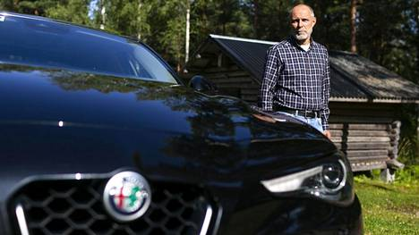 Ilta-Sanomat kertoi elokuussa 2019, kuinka halpa kruunu ja käytettyjen monipuolinen tarjonta Ruotsissa houkuttaa suomalaisia ostajia. Muun muassa Arto Salo hankki himoitsemansa auton Ruotsista.