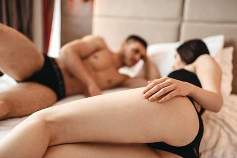 Yleisiä hoitomenetelmiä ovat esimerkiksi psyko- ja pariterapia, mutta myös pelkkä rentoutuminen ja hyväily ilman yhdyntää voi toimia apukeinona.