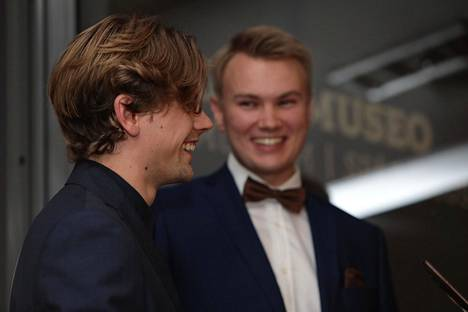 Miikka O'Connor ja Emil Rantatulkkila edustivat Youtube-gaalassa tyylikkäinä perjantaina.