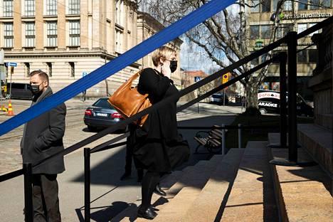 Hallituksen budjettiriihestä on tulossa syksyllä vaikea. Valtionvarainministeri Annika Saarikon ja Li Anderssonin kannat eroavat jo nyt siitä, mistä riihessä voidaan päättää.