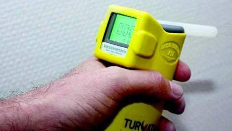Tarkkuusalkometri antoi Lahden poliisiasemalla tuloksen 1,33 milligrammaa alkoholia uloshengitysilmalitrassa. Kuvituskuva.