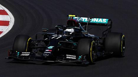 Valtteri Bottas kuvattuna Portugalin GP:n 1. harjoituksissa.