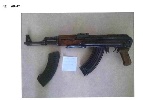 Takavarikoituihin aseisiin oli myös varusteita, kuten varalippaita.