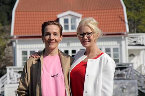 Maria Veitola matkusti Tukholman vauraimmalle asuinalueelle Brommaan tapaamaan Linda Lampeniusta. Lindan perhe muutti uuteen osoitteeseen pian kuvausten jälkeen ja myi kotinsa 1,8 miljoonalla eurolla.