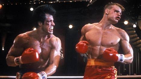 Rocky Balboan (vas.) ja Ivan Dragon (oik.) välinen ottelu on yksi elokuvahistorian kuuluisimmista.
