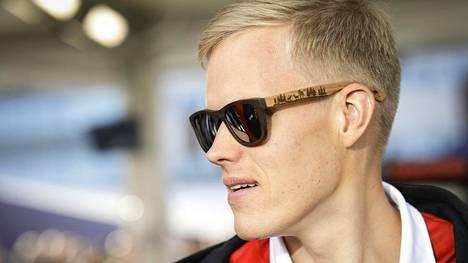 Ott Tänak yrittää voittaa toisen maailmanmestaruutensa Hyundai-tallin autolla.