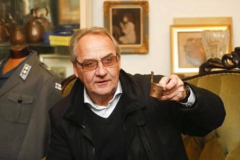 Martti Jarkko palkittiin Tappara-vuosina ottelun parhaana ainakin 18 kertaa. Niin monta Tammer-tuoppia on nyt myynnissä.