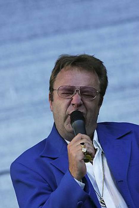 Kansansuosikki Jorma Kääriäinen vakuuttaa olevansa vain tauolla yhtyeestä.