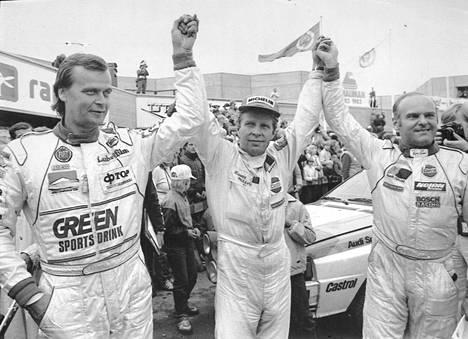 Markku Alén (vas.), voittaja Hannu Mikkola ja Stig Blomqvist Jyväskylän suurajoissa 1983.