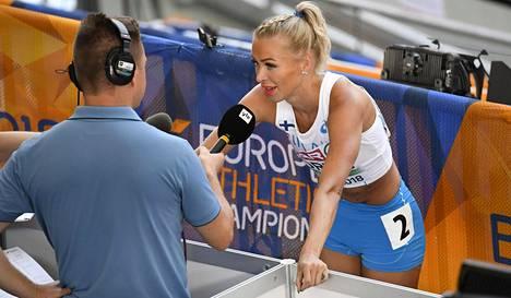 Annimari Korte on ollut mukana yleisurheilun arvokisoissa sekä urheilijan että toimittajan ominaisuudessa.