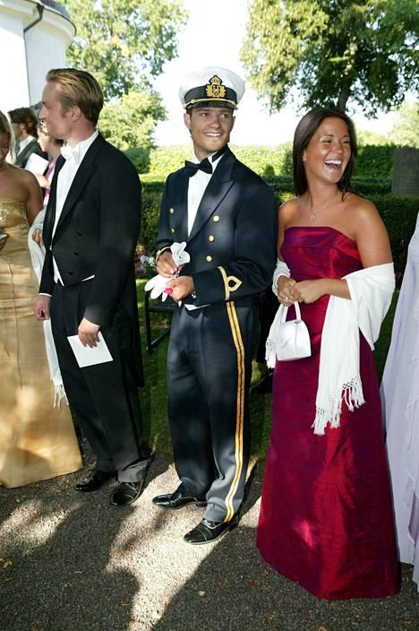 Carl Philip ja Emma Pernald tuttavansa häissä vuonna 2003.